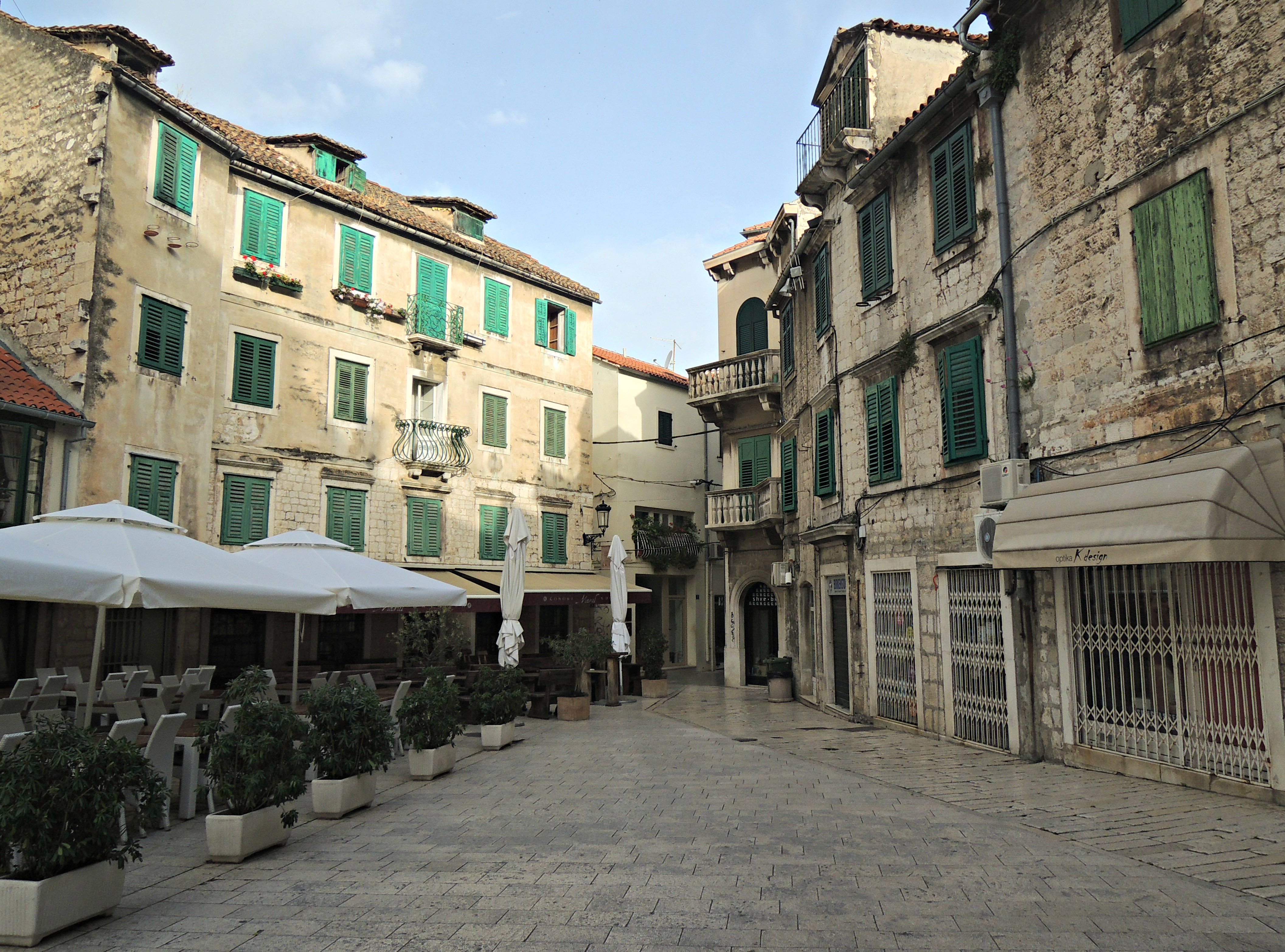 buildings split croatia old town 1 - Around the World in ...