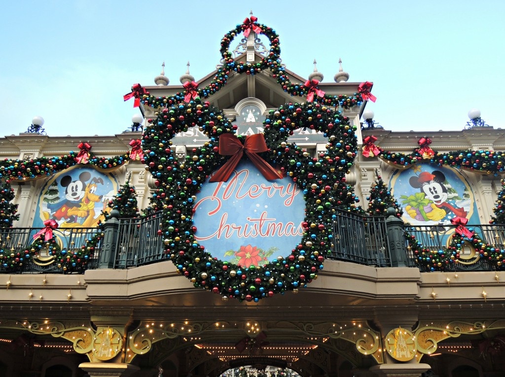 Day-Trip-to-Disneyland-Paris-christmas
