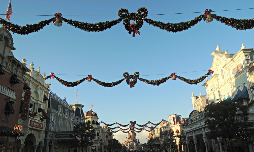 Day-Trip-to-Disneyland-Paris-christmas-decorations-main-street