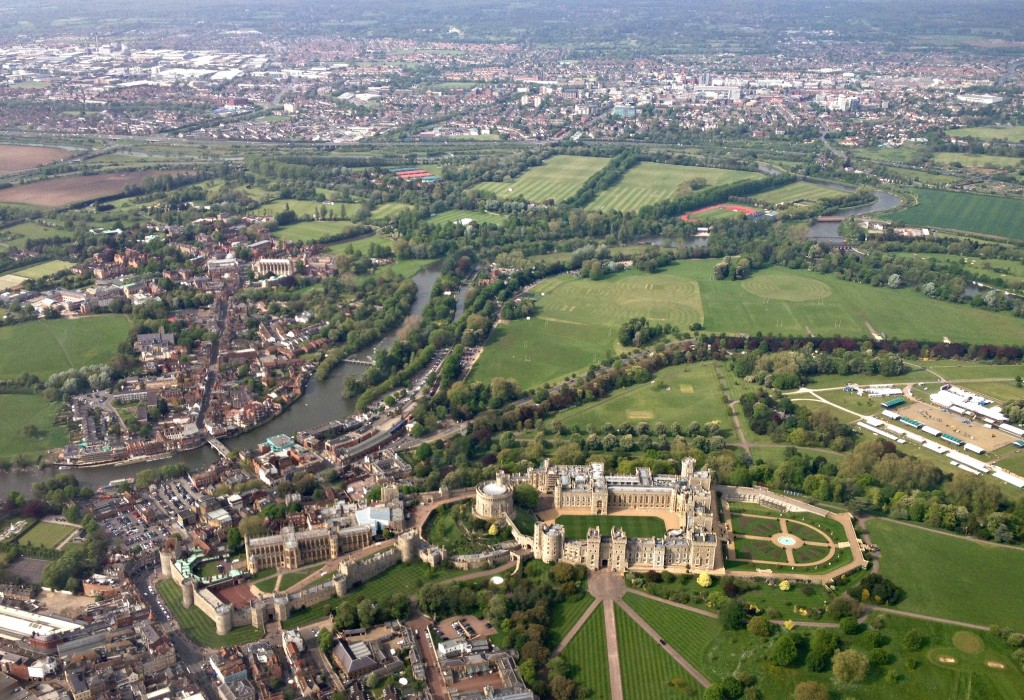 Travel-Link-Up-My-Favourite-Things-windsor-castle-aerial-photo