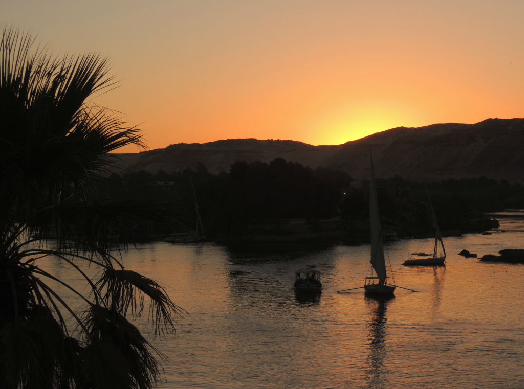 Travel-Link-Up-My-Favourite-Things-Aswan-Nile-Sunset