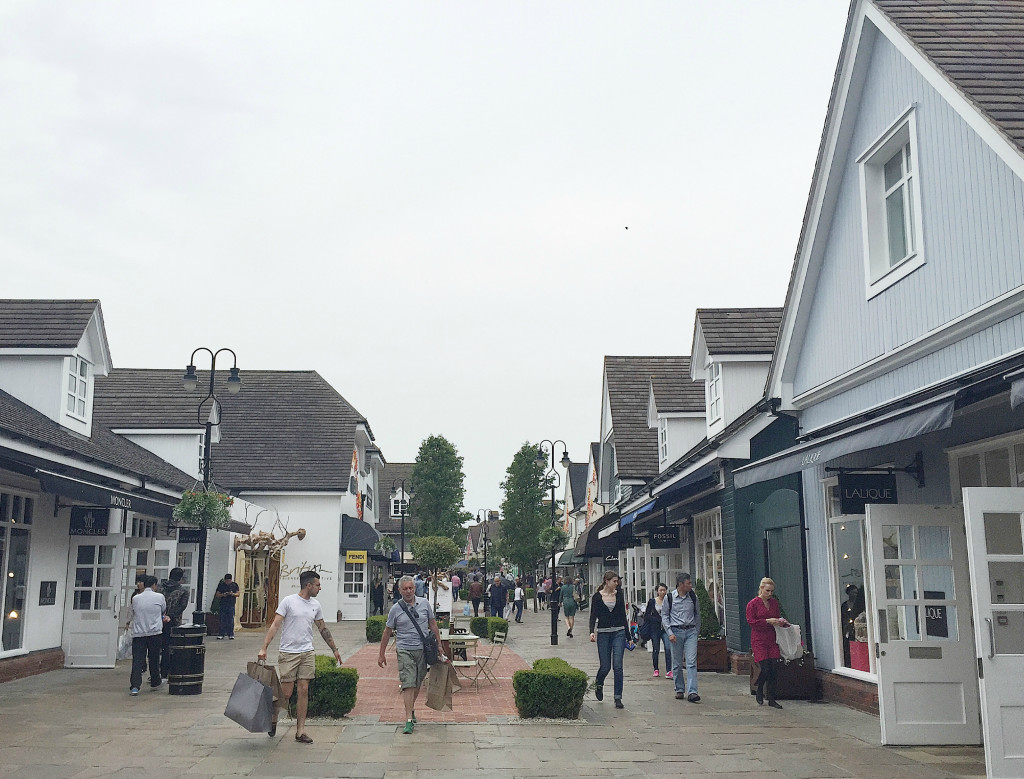 Luxury-Shopping-at-Bicester-Shopping-Village-Oxfordshire