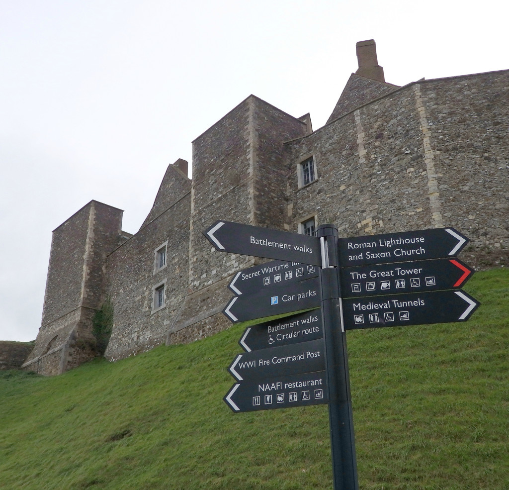 England Travel Inspiration - The perfect day castle hunting in England visiting Dover Castle, an English Heritage property which is an easy day trip from London by train. Click the link to read more about this amazing castle in England where you can see the white cliffs of Dover and learn about the fascination World War 2 history.