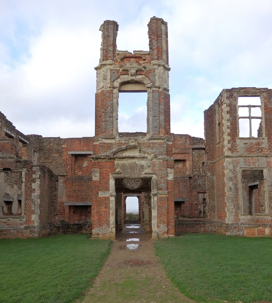 England Travel Inspiration - Exploring Houghton House in Bedfordshire, an English Heritage property which is free to enter.  The stair case is now inside the Swan Hotel in Bedford. Click the link to read more about Houghton House and my travel tips for the county.