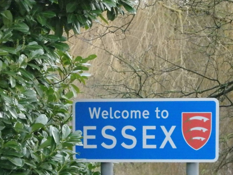 England Travel Inspiration - A visit to Dedham in Essex, England should be on everyone's England Travel Bucket List if you're a fan of the painter, John Constable. Pop on over to read about all the Travel Tips you will need for a perfect few days in Essex including where to eat a yummy afternoon tea.