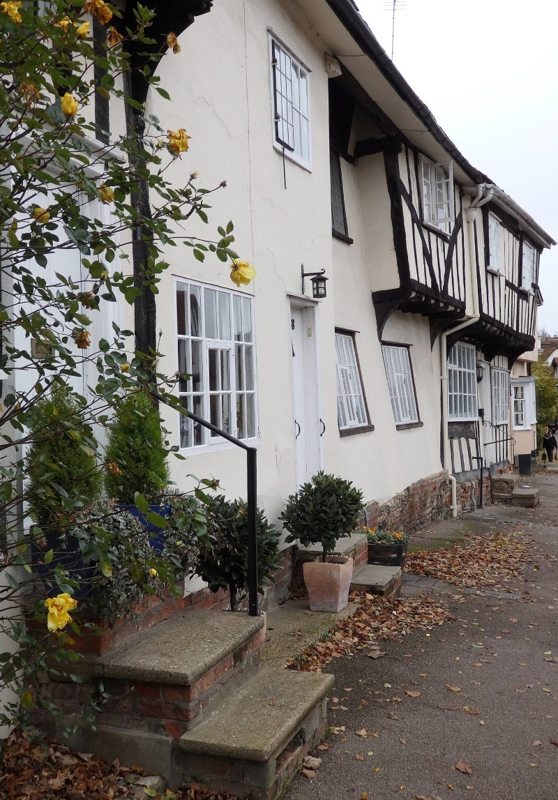 Exploring the delightfully wobbly village of lavenham for Cutest house in the world