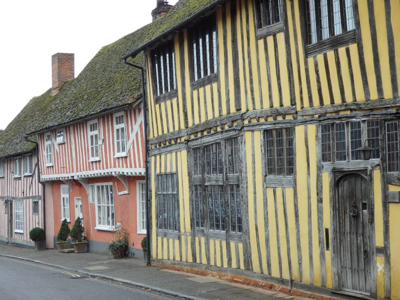 England Travel Inspiration - The perfect day trip from London to Lavenham, Suffolk - one of the finest examples of a medieval village in England with cute little timber framed houses and thatched cottages. A visit to Lavenham is a must for any Harry Potter fan visiting England as the village was used as a filming location. Click the link to read more Lavenham Travel Tips and where to eat the best gluten free food in the village.
