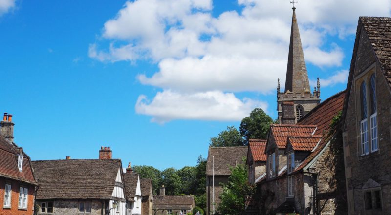 England Travel Inspiration - The perfect day trip from London or Cardiff exploring Wiltshire and the beautiful village of Lacock. Lacock is a National Trust property and has been used in many movie and tv productions like Pride and Prejudice and Harry Potter. Click the link to read my Lacock Travel Tips!