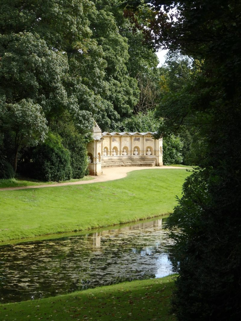 England Travel Inspiration - A Perfect Picnic Spot at National Trust Stowe, Buckinghamshire. Stowe has beautiful Landscape Gardens that has attracted visitors since 1717 so why not take a step back in history and enjoy one of the walks and get back to nature. The NT membership is a great investment if you have kids as there are so many beautiful places to visit. Pop on over to see more photos at the blog!