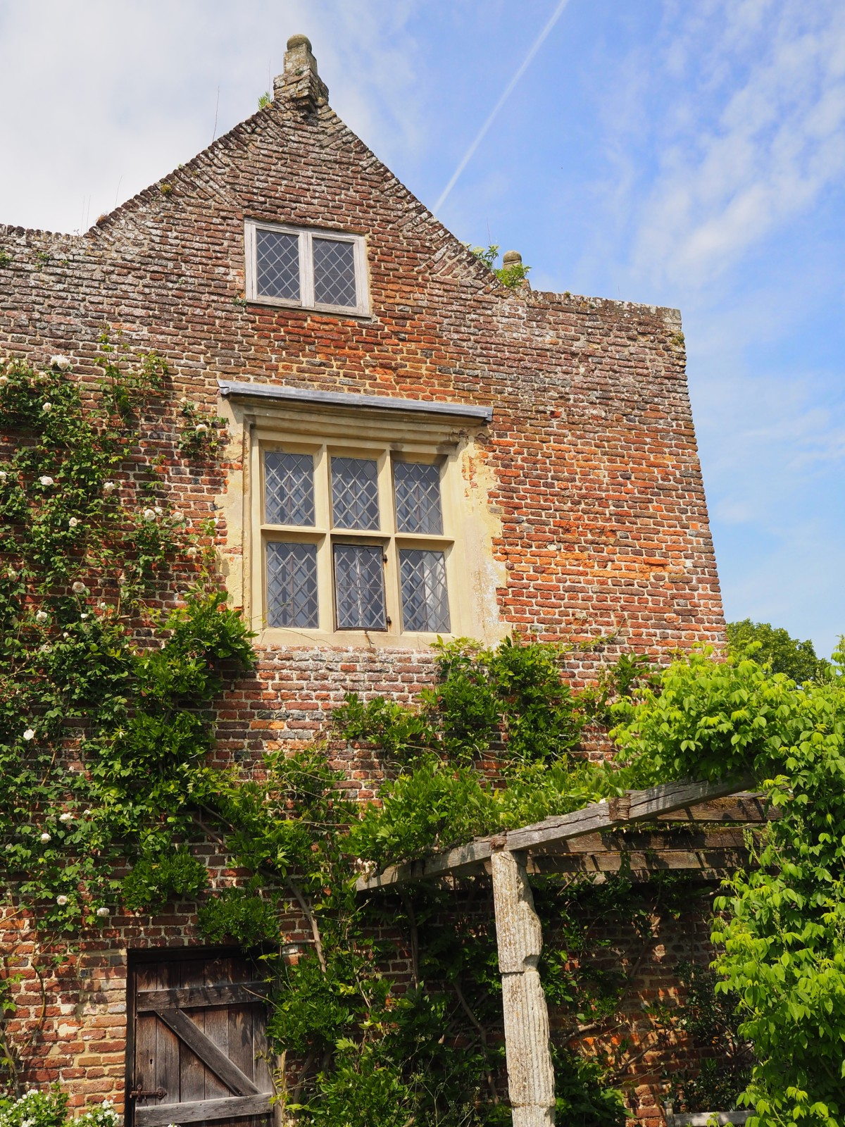 Home of the English Country Garden: National Trust Sissinghurst ...